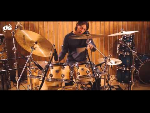 video\Niels Voskuil in de studio for DS drums