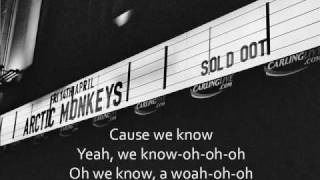 Arctic Monkeys - Wavin' by to the Train or the Bus... con letra