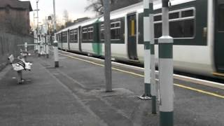 preview picture of video 'Beckenham Junction train departs Crystal Palace'