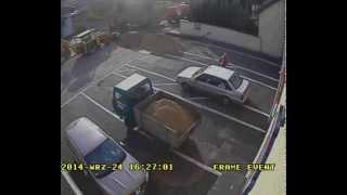 preview picture of video 'Przełożenie hydrantu na plac manewrowy OSP w Praszce'