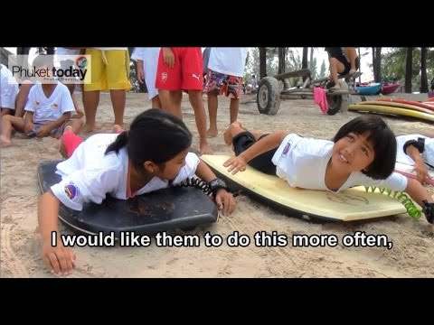 Phuket Lifeguards Club teach kids water safety