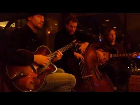 CHRIS SARTISOHN TRIO - Blues en Mineur - Live at Vista 18 (gypsy jazz guitar)