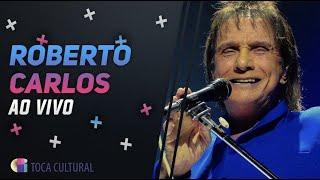 Roberto Carlos emociona fãs na Ópera de Arame