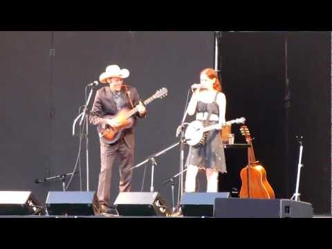 Gillian Welch, No One Knows My Name, live at VFMF 2011
