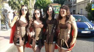 preview picture of video 'LA COMI DEL 2000 - GLADIADORES (COMPARSA ZARANDONA)'