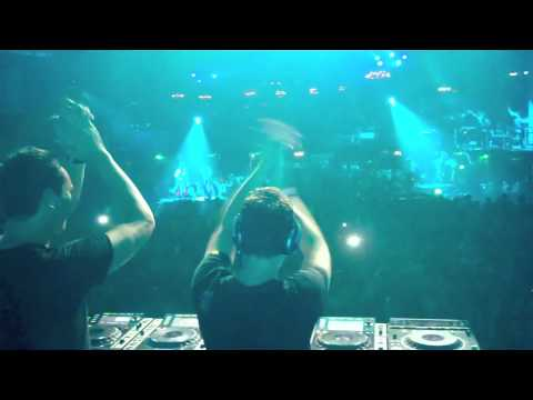 Hardwell & Tiesto live at Privilege Ibiza 19-07-2010