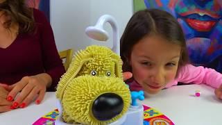 Челлендж с Папой Soggy Doggy Game Challenge Попробуй не Намокни Залили Все Слизью /// Вики Шоу