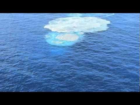 Sea boils near El Hierro: submarine volcanic activity continues off