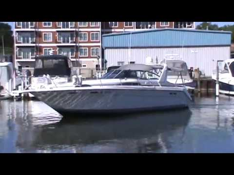 Sea Ray 370 Express Cruiservideo