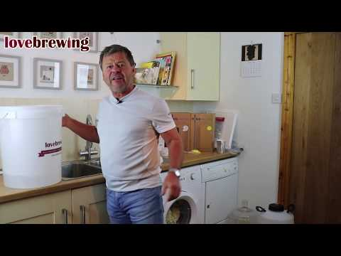 Beginners Wine Making Part 1 - Cleaning, Sterlising & Temperature