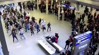 Flash Mob At St Pancras International NYE 2010 Chunk 1