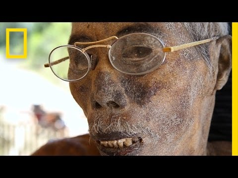Here, Living With Dead Bodies For Weeks—Or Years—Is Tradition | National Geographic