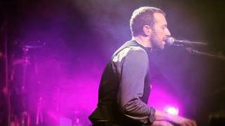 YouTube video E-card Coldplay Christmas Lights merry christmas