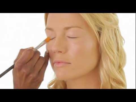 Molly Sims, Red Carpet Ready by Makeup Artist Uzo - VIV Magazine