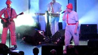 DEVO *IT'S NOT RIGHT* live at the MUSIC BOX AT THE HENRY FONDA THEATER 11/4/2009