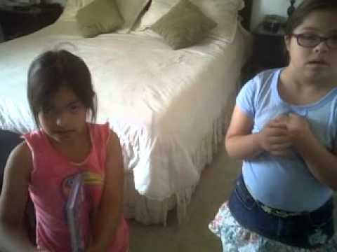 Ver vídeoSíndrome de Down: Sara también hace travesuras