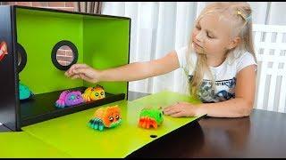СЮРПРИЗ в Коробке для Алисы ! YELLIES SPIDERS toys for kids !