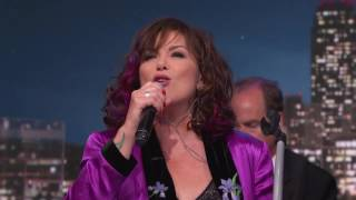Ann Wilson Performs Black Hole Sun