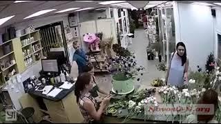 В цветочном магазине Николаева украли телефон — момент кражи попал на видео
