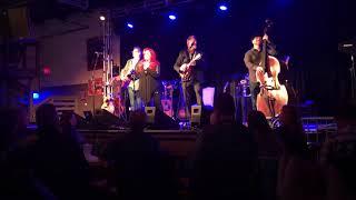 Wynonna sings for Anita Cochran.