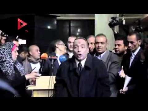 صحفي يعترض مؤتمر ضياء رشوان: أنت بتاجر بالصحفيين