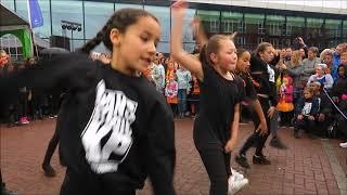 Koningsdag Spijkenisse een impressie Kopspijker en Theaterplein