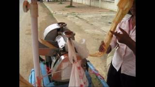 preview picture of video 'Sugar Cane Drink Battambang, Cambodia'