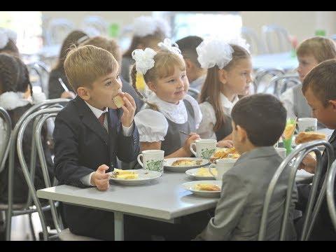 Как приучить ребенка правильно питаться