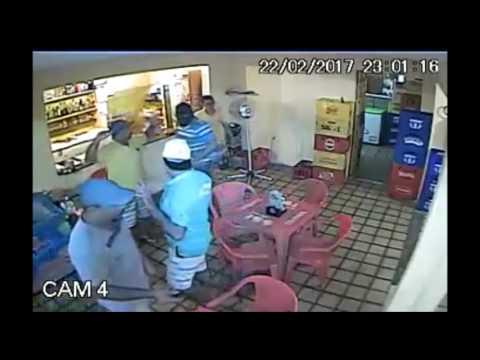 MaisTV: vídeo mostra arrastão em bar de João Pessoa
