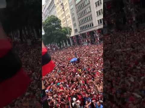 Flamengo Campeão da Libertadores Trio elétrico na Av Presidente Vargas