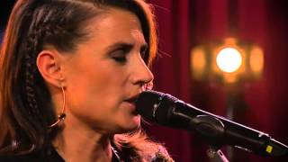 Jill Johnson - Go Rest High On That Mountain (Vince Gill)