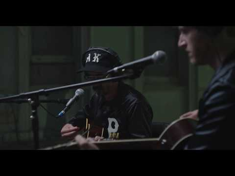 Don't Look Back in Anger Live Stripped Down Session