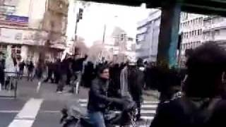 Iran 27 Dec 09 Tehran people fighting back