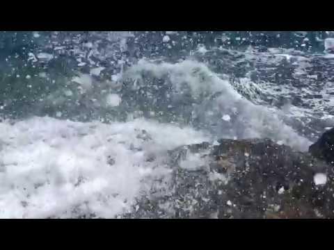Strong waves. Cyprus. Сильные волны. Кипр.