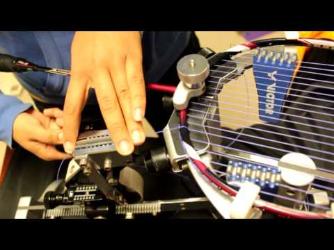 Ejemplo de como encordar una raqueta de badminton.