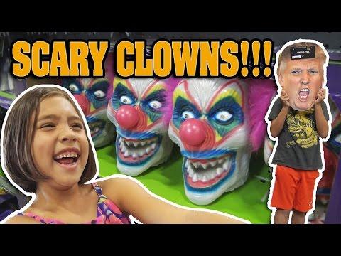 SCARY CLOWNS at SPIRIT HALLOWEEN STORE!!! Donald Trump Face Off!