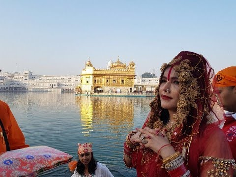 Radhe Maa at Golden Temple Amritsar, Making Langar March 2018 (राधे माँ_ਰਾਧੇ ਮਾਂ) - SRB