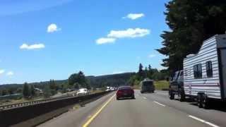 オレゴンのハイウェイで秦基博の音楽を「綴る」