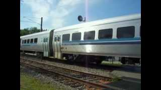 preview picture of video 'AMT train #983 arrives at Roxboro-Pierrefonds train station'