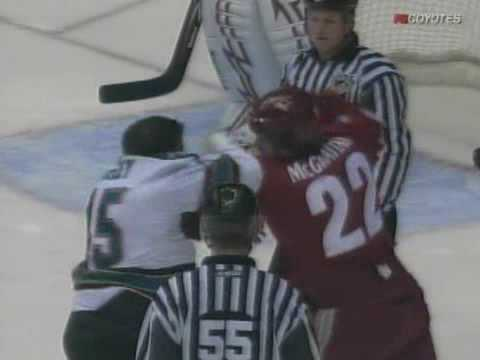 Jody Shelley vs Brian McGrattan
