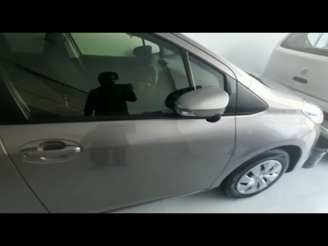 Toyota Vitz F 1.0 2018 for Sale in Peshawar