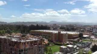 preview picture of video 'Panorámica de Bogotá desde el Observatorio Astronómico de la U El Bosque'