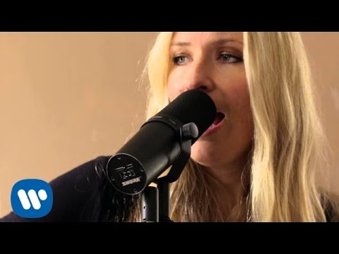 Holly Williams - Settle Down [Official Video]