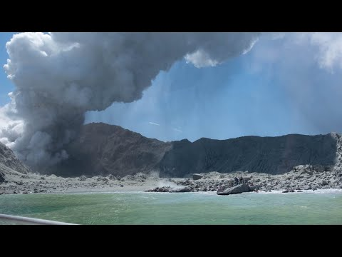 """NZ police report """"no signs of life have been seen"""" following volcano eruption"""