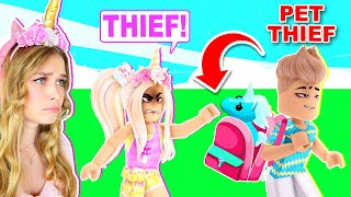 CATCHING PET THIEVES IN ADOPT ME! (ROBLOX)
