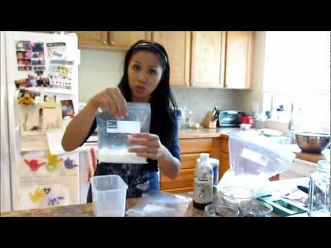 Video How To Make Homemade Ice Cream In a Plastic Bag Science Experiment!