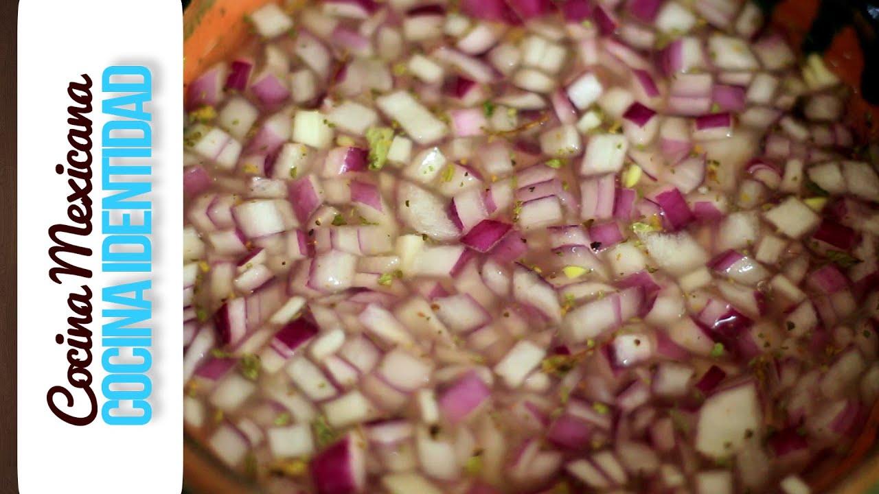 Cómo hacer cebolla encurtida. Salsas Mexicanas. Yuri de Gortari
