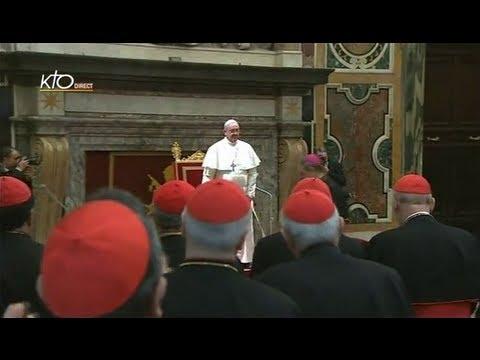 Le Pape François reçoit le collège cardinalice