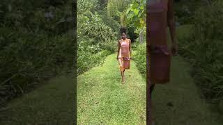 Vídeo Vestido Midi  Floresta Gatos e Atos