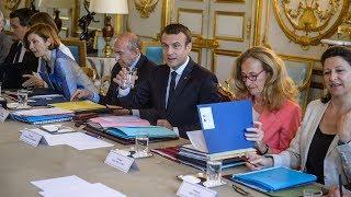"""Emmanuel Macron fait le choix d'un gouvernement de """"technos"""""""